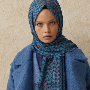 06-meryemce-esarp-online-shop-fresh-scarfs-karo-desenli-sal-koyu-mavi2